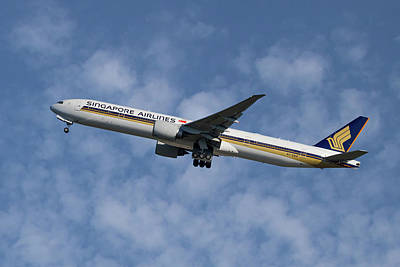 Singapore Airlines Boeing 777-312 1 Art Print