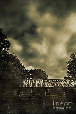 Weather Beaten Photograph - Sinister Outback Farmhouse by Jorgo Photography - Wall Art Gallery