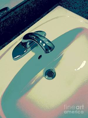 Photograph - Sink by Linda Bianic