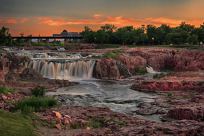 Photograph - Sioux Falls Sunset by Susan Rissi Tregoning