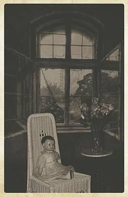 Sitting Pretty Art Print by Cindy Nunn