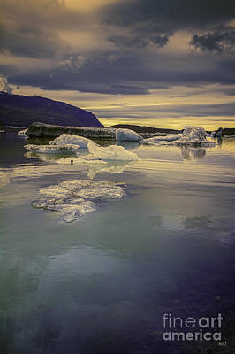 Photograph - Skaftafellsjokull Lagoon by Nancy Dempsey