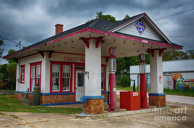 Skelly Photograph - Skelly Gas Station by Terri Morris