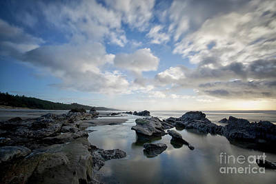 Central Oregon Coast Photograph - Sky And Reflection On The Ocean by Masako Metz