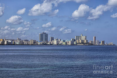 Photograph - Skyline Havana by Patricia Hofmeester