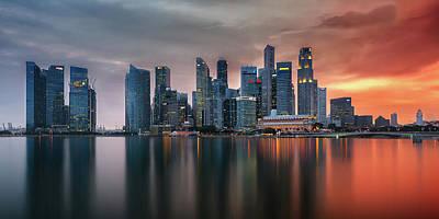 Skyline, Marina Bay, Singapore Print by Nico Trinkhaus