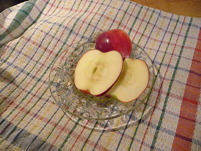 Photograph - Sliced Apples by Margie Avellino