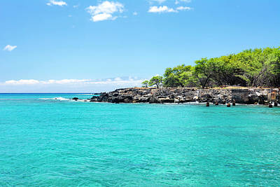 Photograph - Small Bay In Hawaii by Joe Belanger