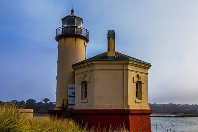 Coquille River Lighthouse Photograph - Small Coquile River Lighthouse by Garry Gay
