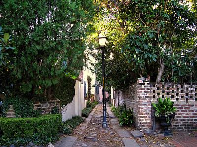 Small Lane In Charleston Art Print by Susanne Van Hulst