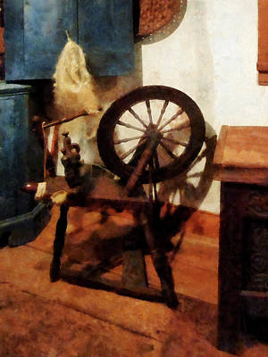 Photograph - Small Spinning Wheel by Susan Savad