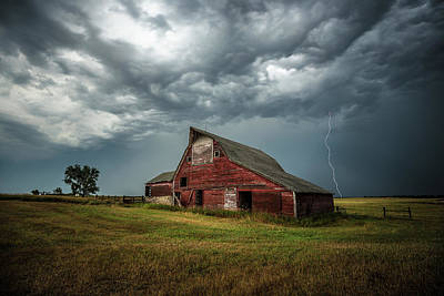 Red Farmhouse Photograph - Smallville by Aaron J Groen