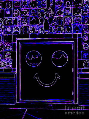 Digital Art - Smiling Faces by Ed Weidman