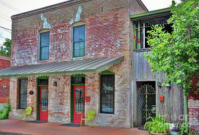 Photograph - Smithville Texas Old House by Savannah Gibbs