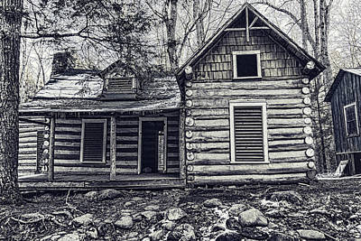 Photograph - Smokies Log Cabin by Sharon Popek