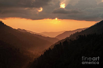 Photograph - Smoky Mountains Sunset - D010157 by Daniel Dempster