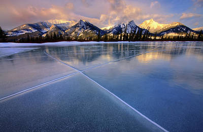 Photograph - Smooth Ice by Dan Jurak