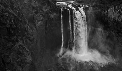 Snoqualmie Photograph - Snoqualmie Falls Black And White 4 by Pelo Blanco Photo