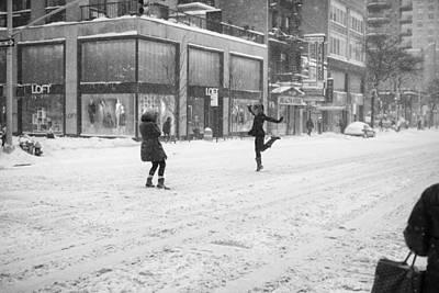 Snow Dance - Le - 10 X 16 Art Print