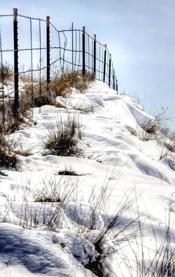 Photograph - Snow Fence 13922 by Jerry Sodorff