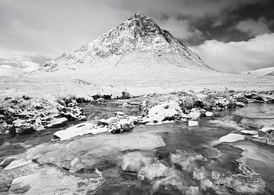 Stob Dearg Photograph - Snow In Glencoe by Stephen Taylor