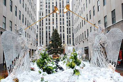 Photograph - Snow In Rockefeller Center by James Kirkikis