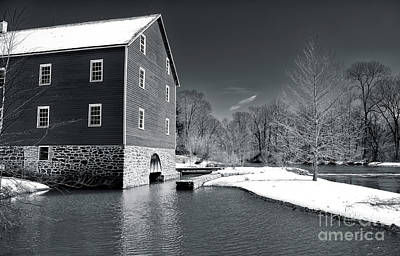 Old Home Place Photograph - Snowy River by John Rizzuto
