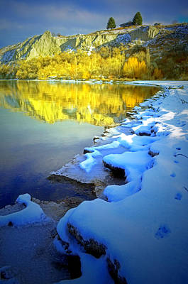 Photograph - Snowy Shoreline And The Clay Banks by Tara Turner