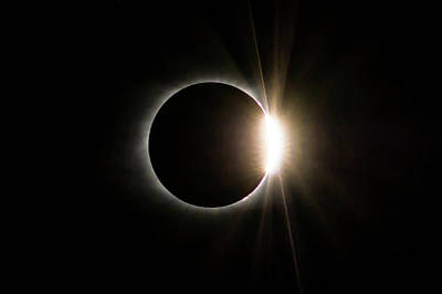 Art Print featuring the photograph Solar Eclipse Diamond Ring by Lori Coleman