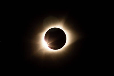 Photograph - Solar Eclipse Diamond Ring by Wesley Aston