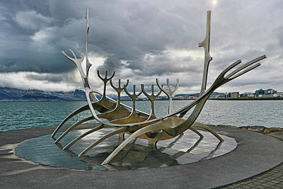 Cityspace Photograph - Solfar Sun Voyager Sculpture by Allen Beatty