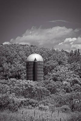 Photograph - Solo Silo by Guy Whiteley