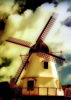 Photograph - Solvang Windmill by Joseph Hollingsworth