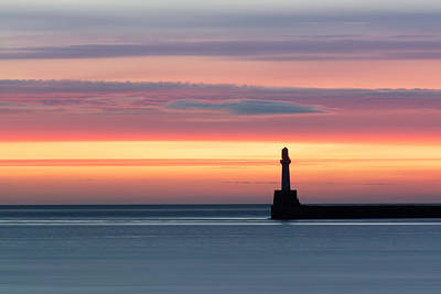 Photograph - South Breakwater At Dawn by Veli Bariskan