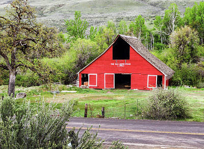 Old Barn Photograph - South Fork Homestead Barn by Ron Day