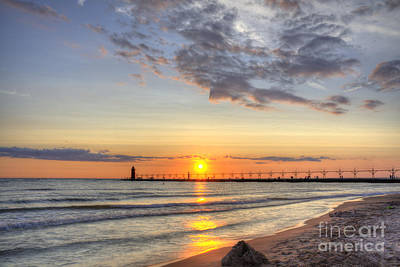 Photograph - South Haven Lighthouse by Scott Wood