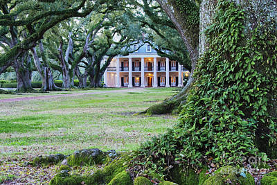 Southern Manor Home Art Print by Jeremy Woodhouse