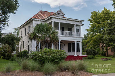 Photograph - Southern Mansion In Mcclellanville by Dale Powell