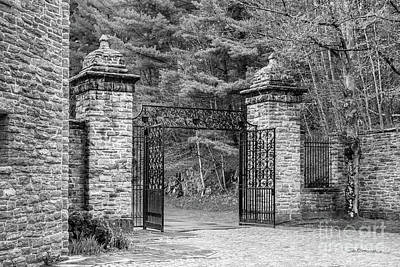 Bennington Photograph - Southern Vermont College Gate by University Icons