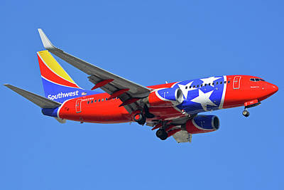 Photograph - Southwest 737-7h4 N922wn Tennessee One Phoenix Sky Harbor November 28 2017 by Brian Lockett