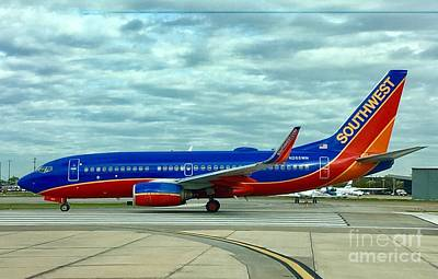 Digital Art - Southwest 737 at Hobby by James Weatherly