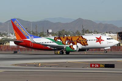 Southwest Boeing 737 California At Phoenix Sky Harbor November 10 2010 Art Print by Brian Lockett