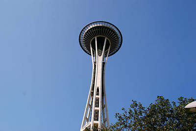 Photograph - Space Needle by Gary Wonning