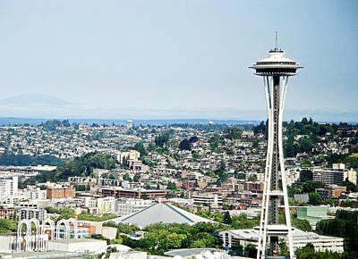 Photograph - Space Needle In Daylight by Robert Meyers-Lussier