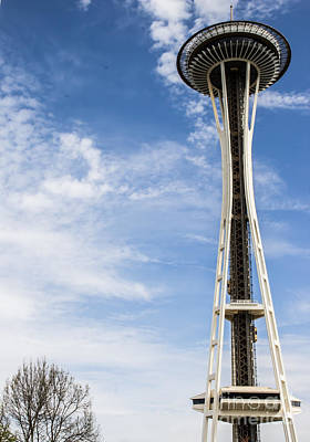 Photograph - Space Needle by Suzanne Luft