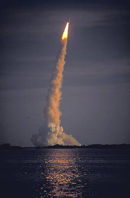 Photograph - Space Shuttle Columbia Sts-1 Maiden Voyage 1981 Photo 2 by Marie Hicks