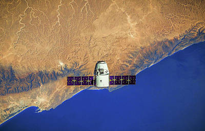 Panel Photograph - Spacecraft In Space by Leonardo Digenio