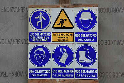 Spain, Sign At A Construction Site In Spanish Art Print