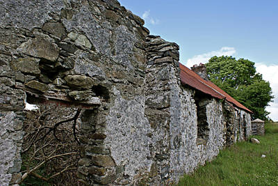 Photograph - Sperrin Mountains Abandoned Farmhouse by Colin Clarke