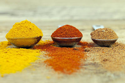 Photograph - Spices by Gillian Dernie